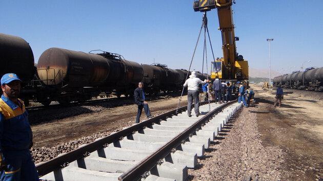 فارس کارگاه بزرگ احداث خط آهن کشور است