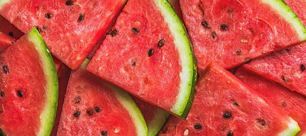خوراکی های مناسب برای گرمازدگی؛ از هویج تا آب زرشک