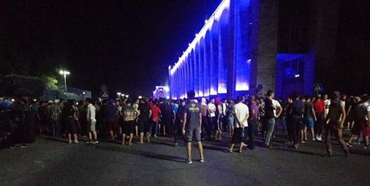 تجمع هواداران رئیس جمهور سابق قرقیزستان در میدان مرکزی شهر بیشکک