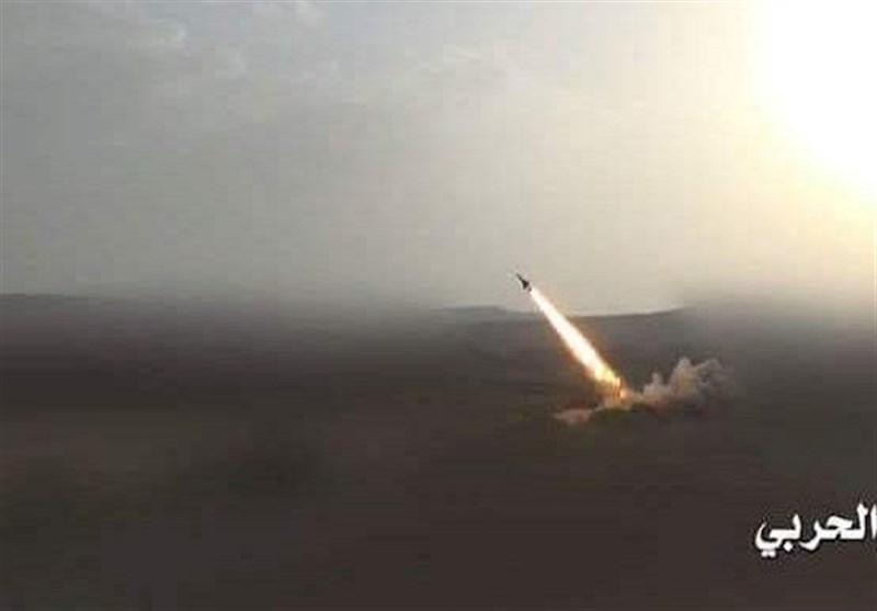 شلیک 7 فروند موشک زلزال 1 ارتش یمن به مواضع مزدوران عربستان