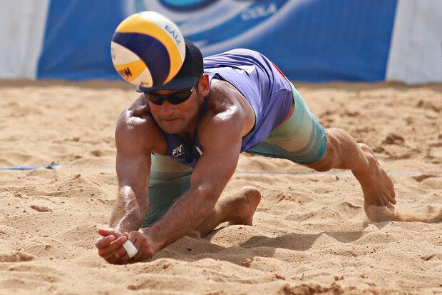 نگاه ها به والیبال ساحلی حرفه ای نیست