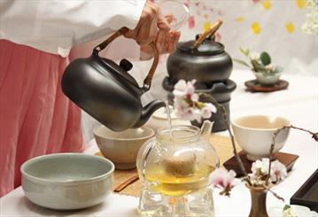 هنرمندان کره ای در فرهنگستان هنر چای نوشیدند