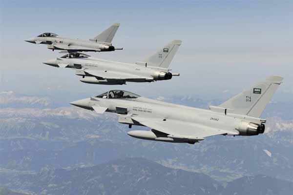 بمباران یک پایگاه نظامی در صعده توسط جنگنده های سعودی