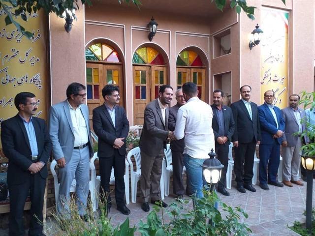 تجلیل از راهنمایان گردشگری و پژوهشگران حوزه مرمت در شهر نراق