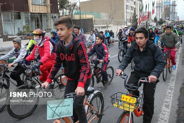 ضرورت تدوین قوانین جدید برای دوچرخه سواران