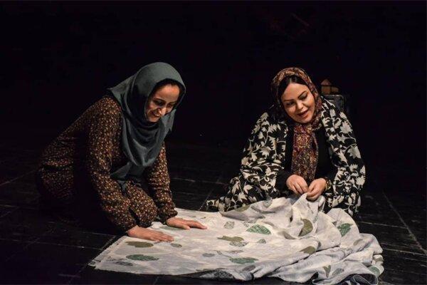 اجرای نمایش پاییز نگفته بود در مجموعه تئاتر محراب