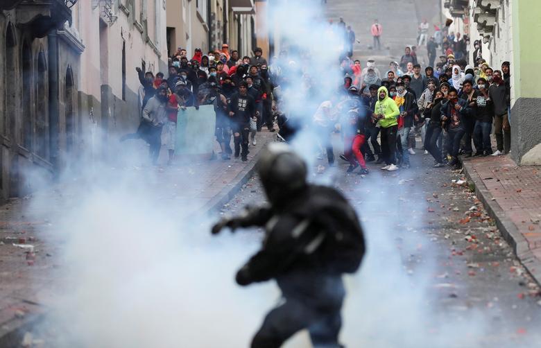 اعتراض مردم اکوادور به حذف یارانه ها و گرانی سوخت (