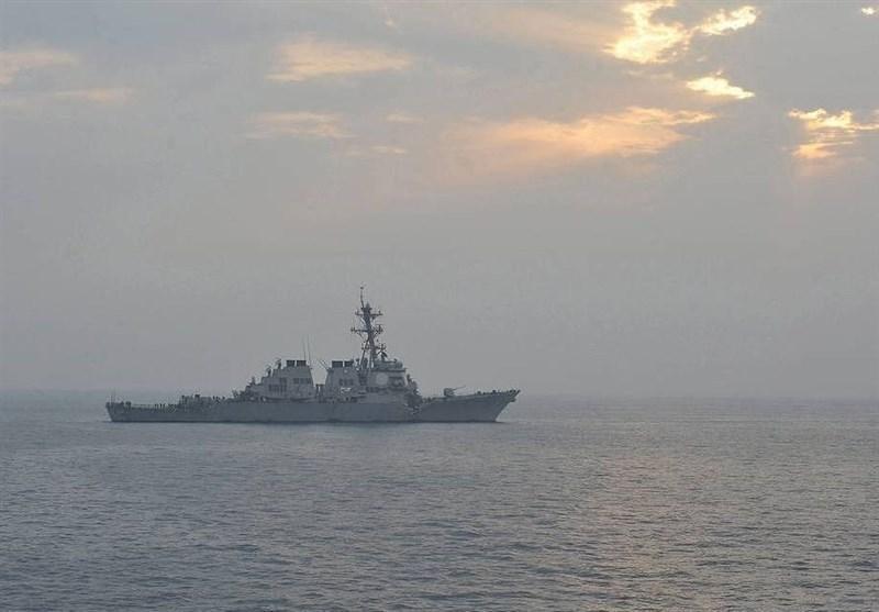 ناوگان دریای سیاه روسیه، ناوشکن آمریکایی را زیر نظر دارد