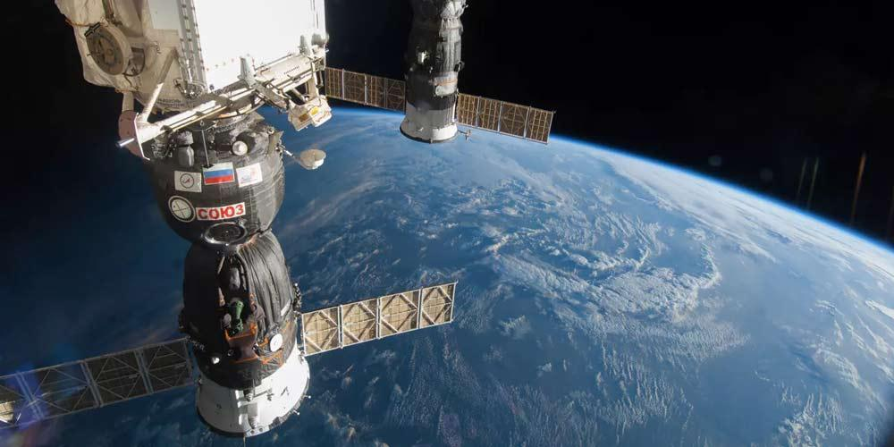 پای زنان به فضا باز می شود ، پیاده روی فضایی کاملا زنانه برای تعمیر برق