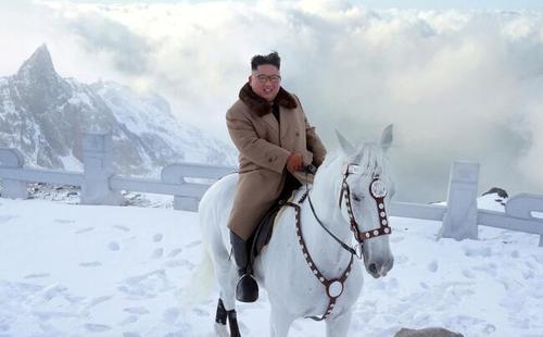 اسب سواری رهبر کره شمالی در کوه مقدس (