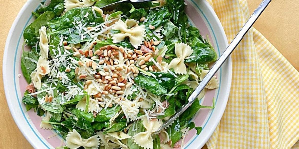 طرز تهیه پاستا اسفناج و پارمسان ؛ یک غذای فوری و گیاهی