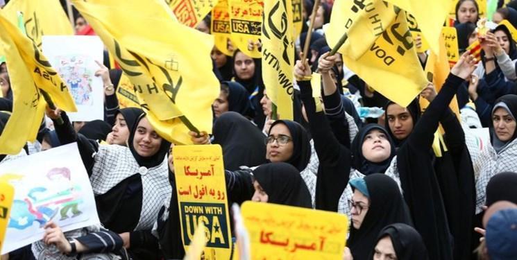 رویترز: ایرانی ها در سالگرد تسخیر سفارت آمریکا شعار مرگ بر آمریکا سر دادند