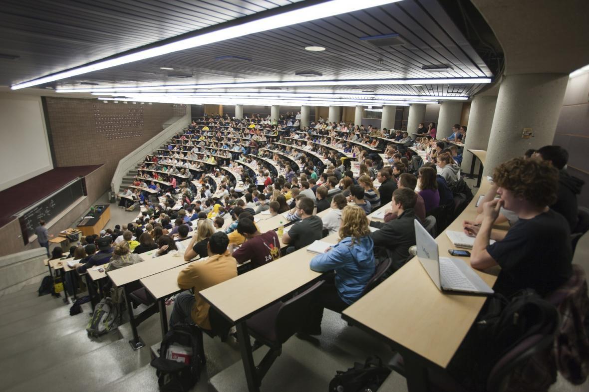 دانشگاه های جهان چگونه بحران صندلی های خالی را مدیریت می کنند؟