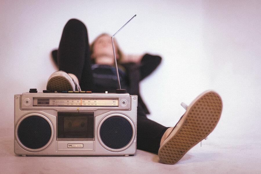 چرا به موسیقی غمگین علاقه مندید؟ چرا نیستید؟