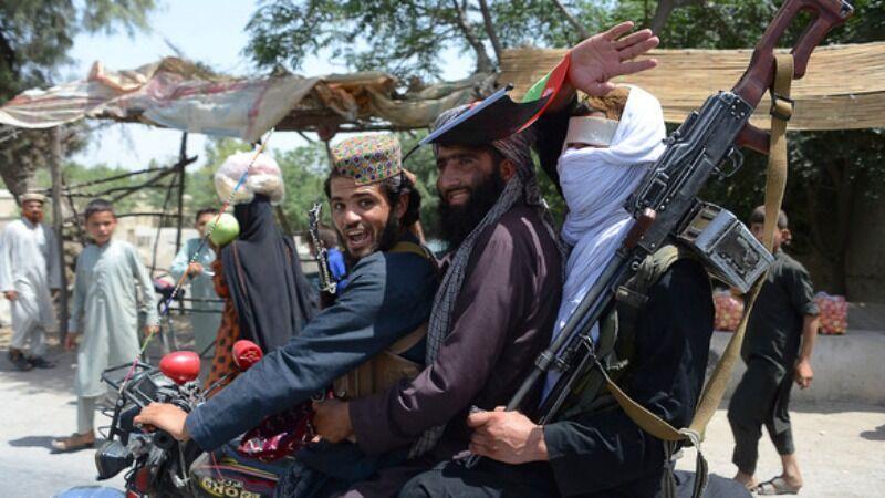 خبرنگاران طالبان: عملیات علیه نیروهای افغان از سرگرفته شده است