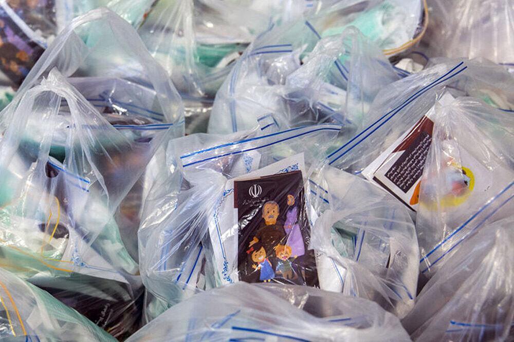 خبرنگاران بیش از 8هزار بسته حمایتی بهداشتی در محلات کم برخوردار شیراز توزیع شد