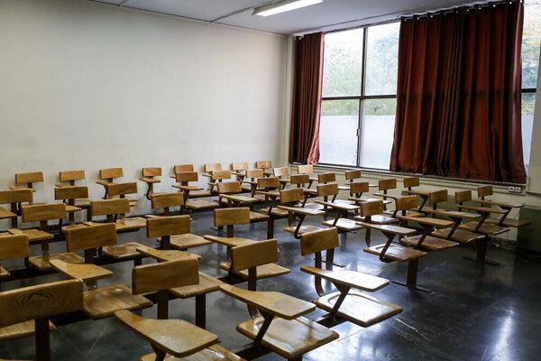 استاد دانشگاه شیروان: تعطیلی مدارس و دانشگاه ها باید ادامه یابد