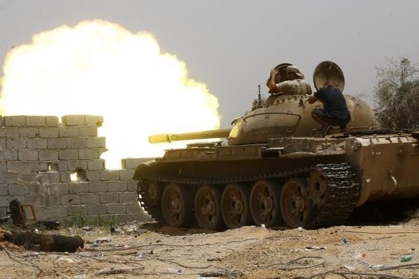 نیروهای متحد دولت وفاق ملی لیبی سه اردوگاه نظامی را تصرف کردند
