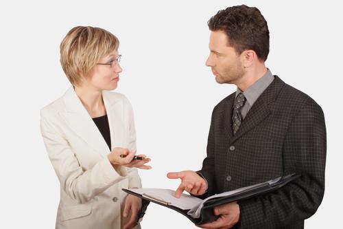 این 6 فعل را در مکالمات کاری خود استفاده نکنید