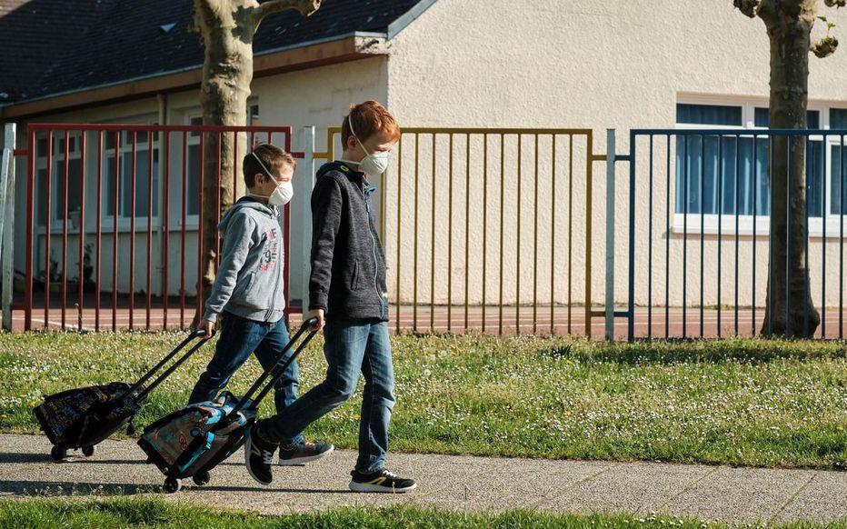 خبرنگاران بازگشایی مدارس فرانسه؛ پروتکل های بهداشتی سپر محافظ دانش آموزان