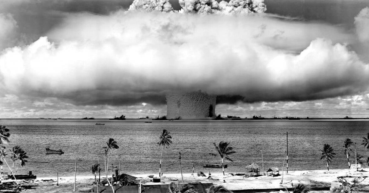 خبرنگاران هزاران آمریکایی قربانی توسعه طلبی هسته ای کاخ سفید