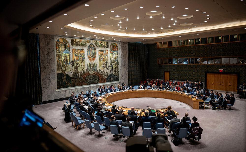 فاینشنال تایمز: آمریکا مقابل ایران عقب نشینی کرد