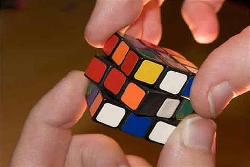 چگونه مکعب روبیک را حل کنیم؟