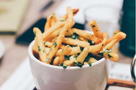 مصرف غذاهای سرخ شده عامل بروز بیماری قلبی و سکته مغزی