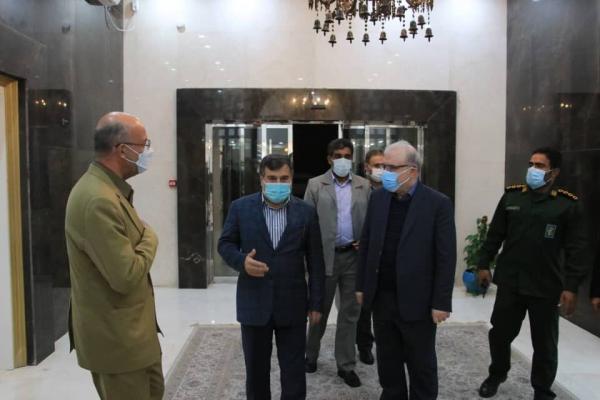 خبرنگاران وزیر بهداشت برای افتتاح چندین طرح بهداشتی درمانی وارد هرمزگان شد