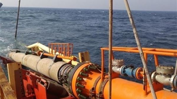 لوله گذاری نخستین خط دریایی پایانه نفتی جاسک پایان یافت