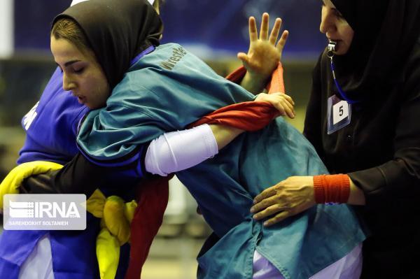 خبرنگاران سرمربی کشتی زنان: در مسابقات قرقیزستان شانس کسب مدال را داریم