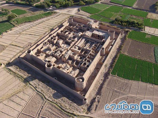 قلعه مهرپادین در مهریز؛ بنایی دیدنی با افسانه ای کهن